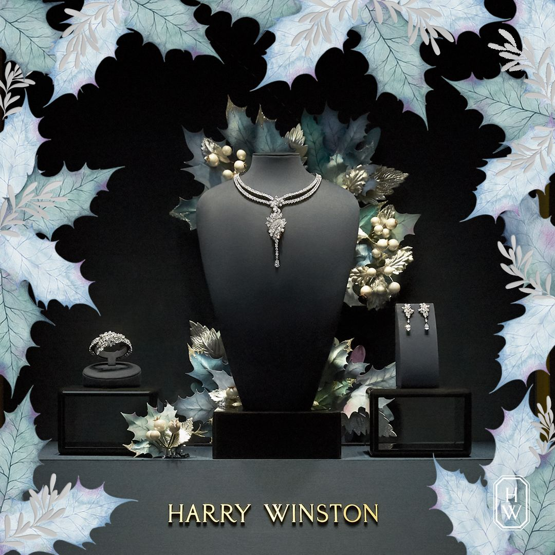 HarryWinston windows are dressed to impress for the
