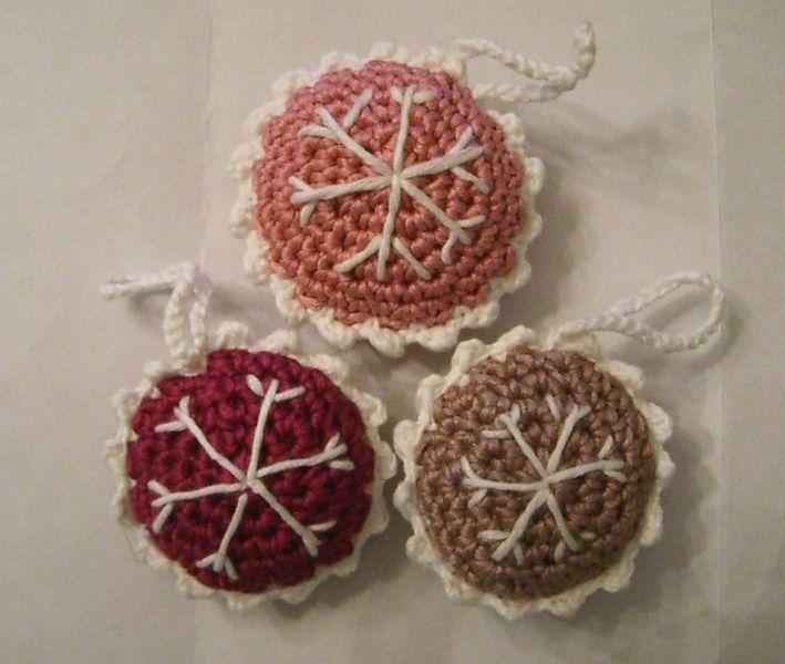 gehäkelter Weihnachtsschmuck für den Christbaum! Farbe: pink, rosa ...