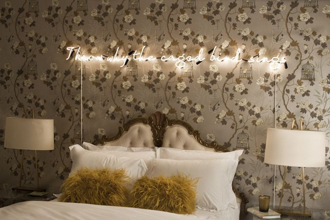 Decor Trend To Watch: Neon Signs (And How To Get The Look For Less) |  StyleCaster