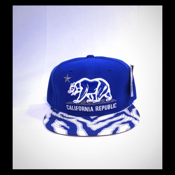 2d42239e California Republic Bear Hat Ziggy Design The Ziger Cali Bear Snapback is a  6-panel