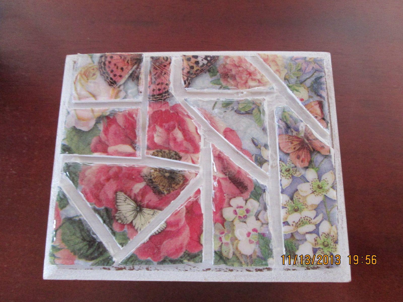 Tapa de caja en falso mosaico