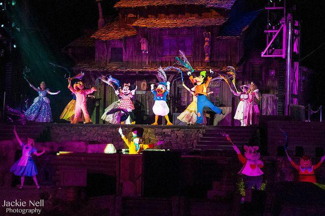 Cinderella, Pluto, Minnie, Donald, Goofy,Aurora, Alice, Mad Hatter, White Rabbit, & TweedleDee - *Fantasmic!*