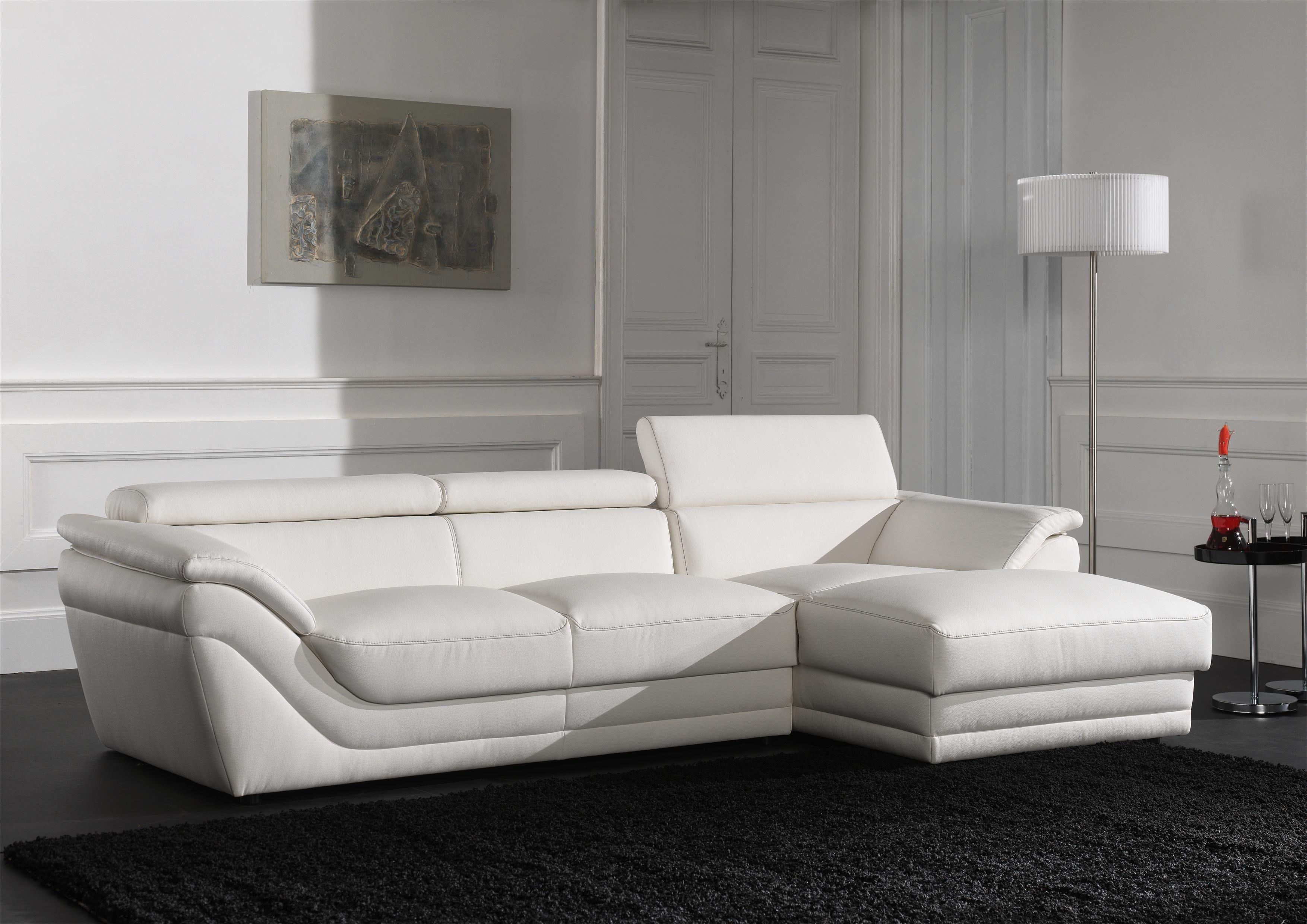 Zorg voor een eigentijdse sfeer met deze luxueuze zetel van