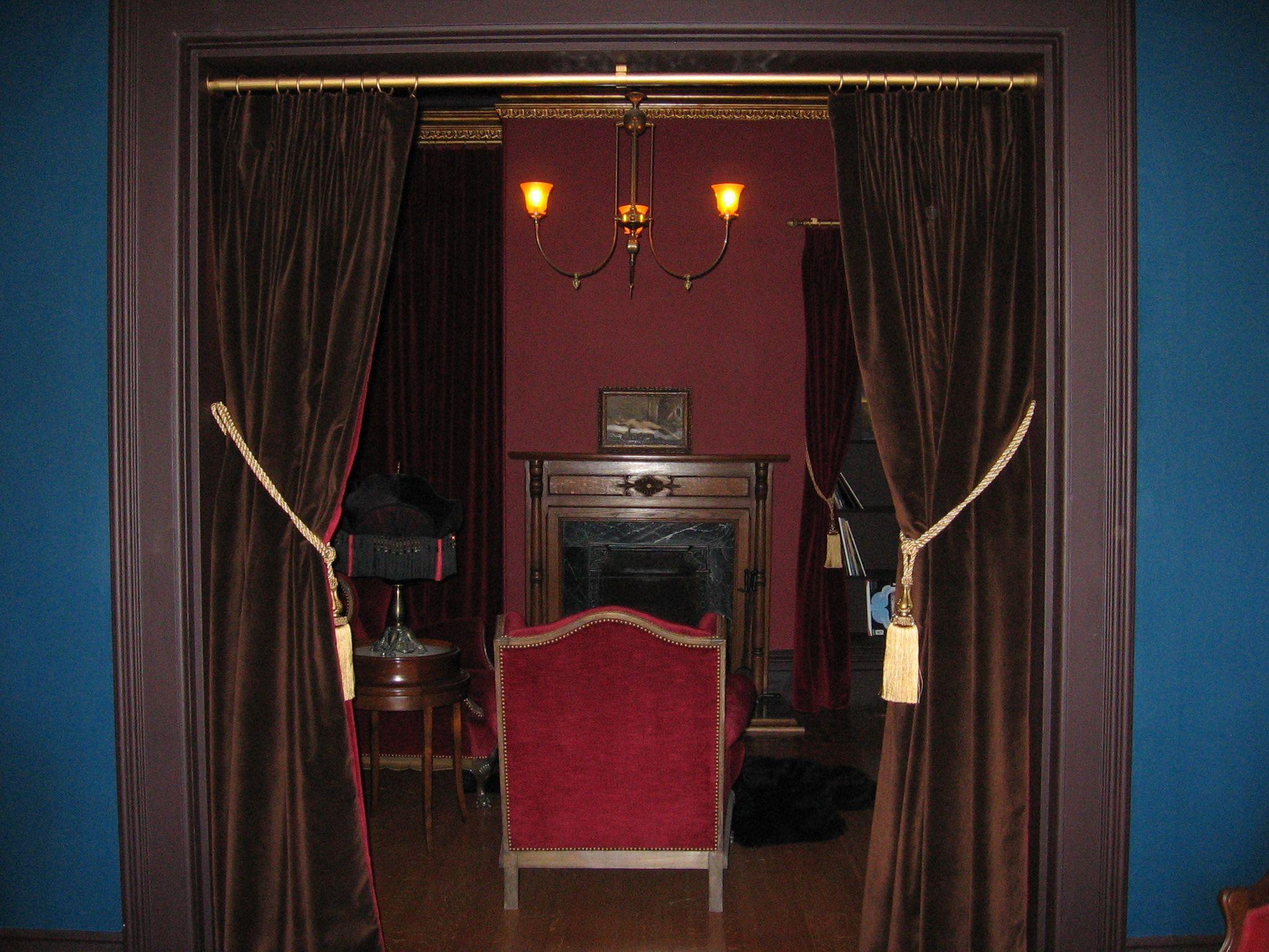Victorian velvet curtains - Two Sided Velvet Drapes Different Colors On Each Side Gold Tassel Tiebacks And Gold