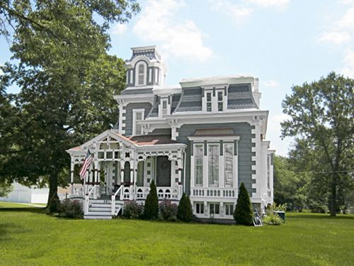 Love this Missouri home, listed on the National Register of Historic Places!