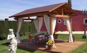 Pergola con cortinas Gazebo de madera, Kiosco de madera
