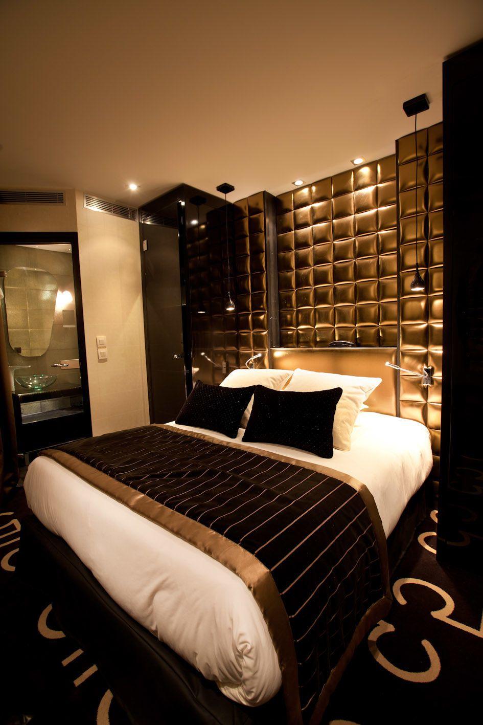 15 Luxueuses Chambres A Coucher Decorees En Noir Et Dore Design
