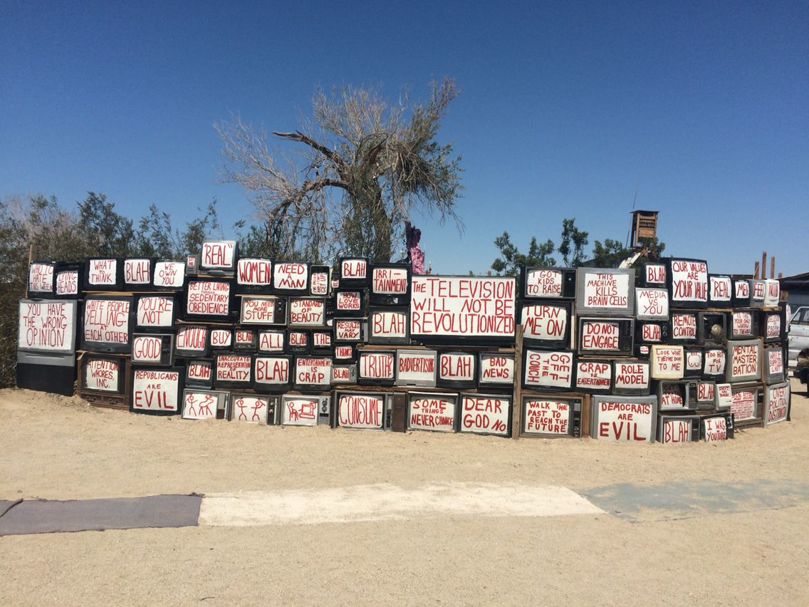 Tv Wall In East Jesus Slab City Imperial Valley Ca Slab City Tv Wall Brawley