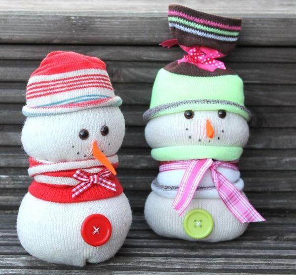 только вовсе поделки на новый год снеговики фото черный