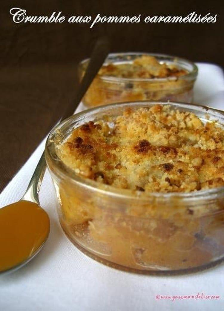 Recette de Crumble aux pommes caramélisées : la recette facile