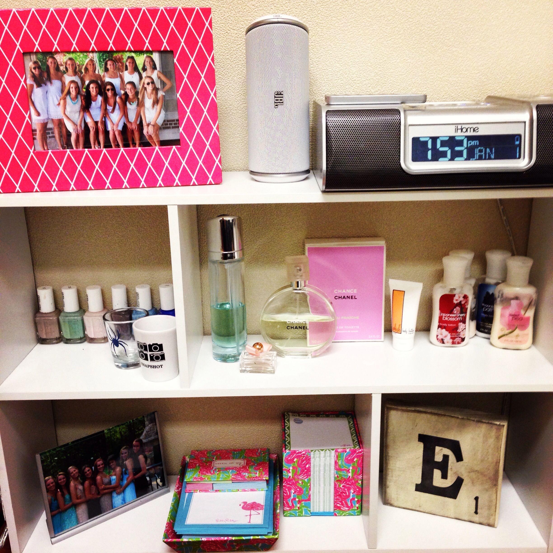 My Apartment Guide: Dorm Living Great Little Shelf