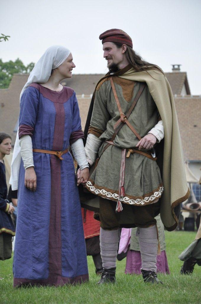 Costume carolingien- Source photo association Druzhina | Franks ...