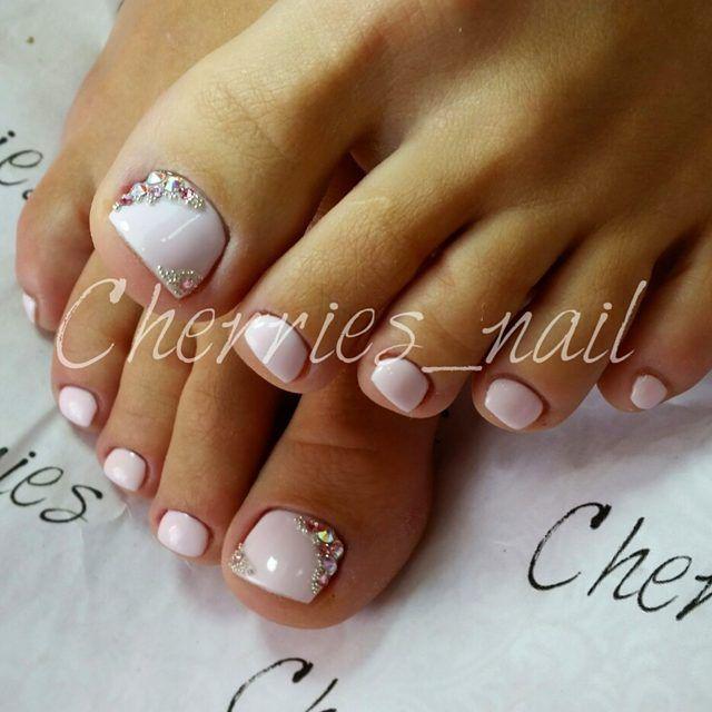 white rhinestone toe nail art