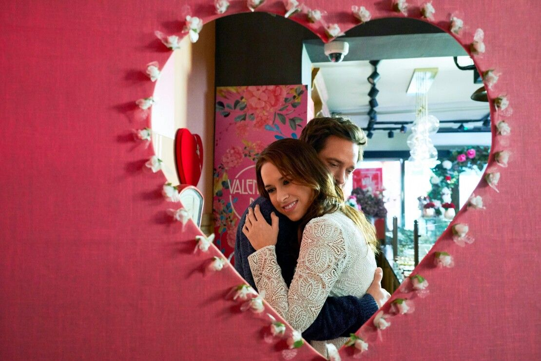 Will Kemp and Lacey Chabert star in this Hallmark Channel