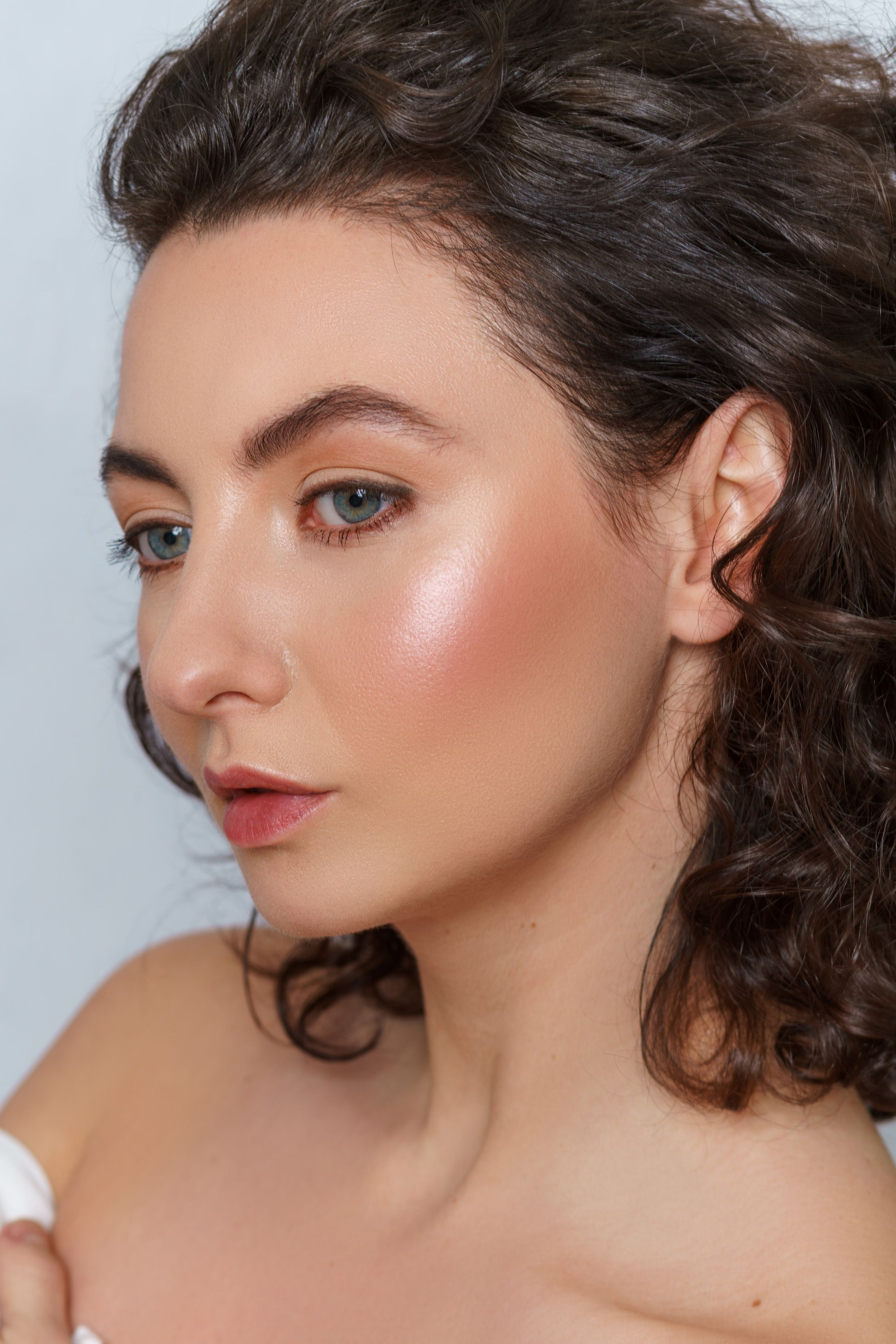 Makeup looks are a great way to express yourself there are millions makeup looks are a great way to express yourself there are millions of makeup applications solutioingenieria Images