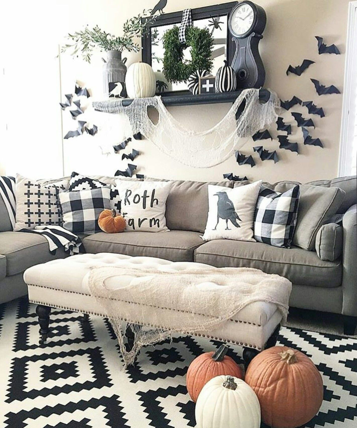 Pin by Ronnie Smith on Halloween Halloween living room