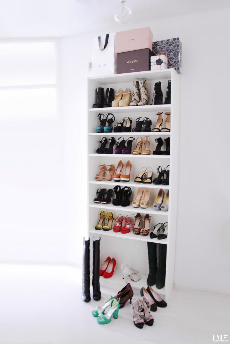 ikea 39 billy 39 bookshelf as shoe display glauburg pinterest schuhwand kleine zimmer und. Black Bedroom Furniture Sets. Home Design Ideas