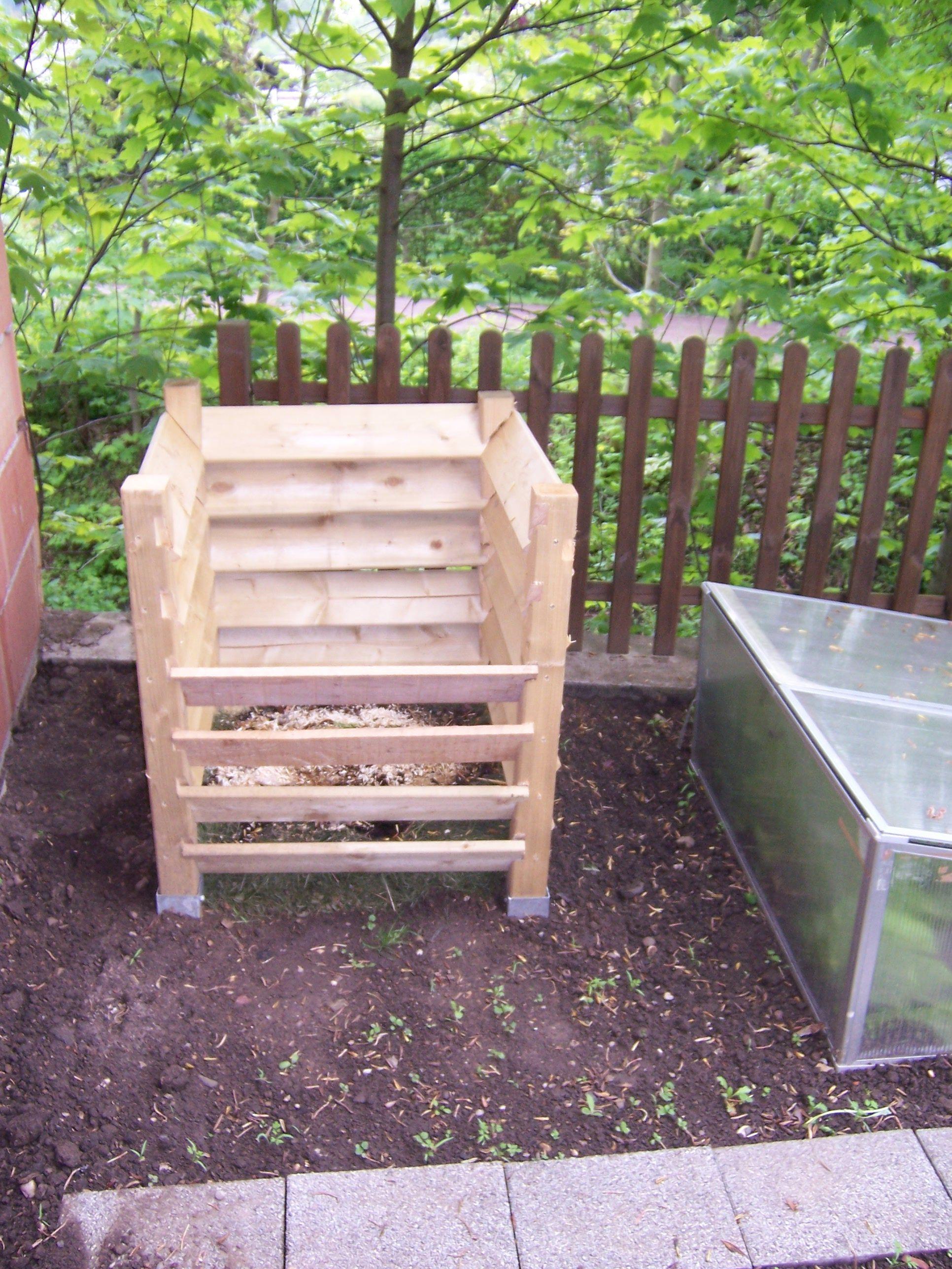 Kompost bauen Kompost, Komposter bauen, Gärtnerei