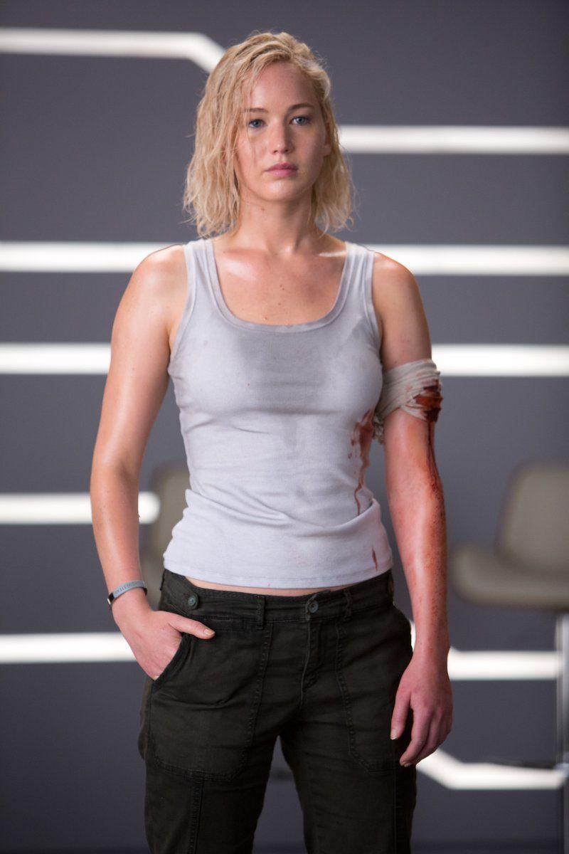 || Jennifer Lawrence as Aurora Lane in