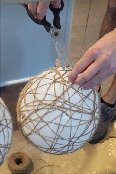 How to Make DIY Twine Balls With Lights