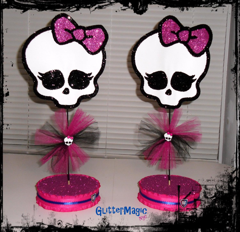 SET OF 2 Monster High Centerpieces / Monster by GlitterMagic23s, $25.99 |  Fiesta de monster high, Cumpleaños de monster high, Centros de mesa  cumpleaños