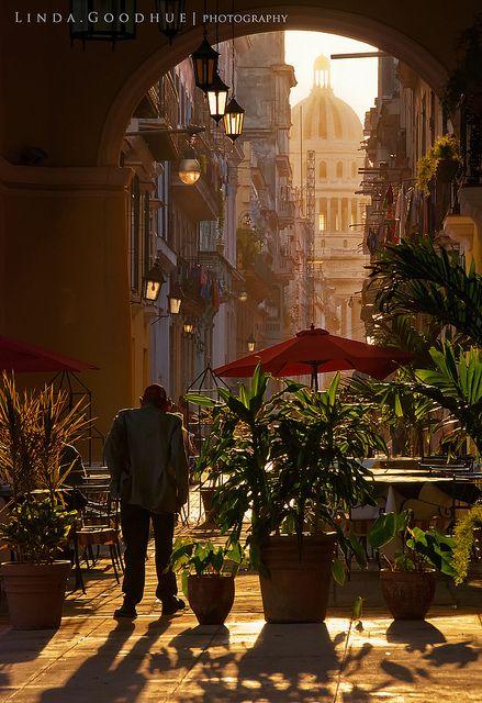 Glow of old Havana