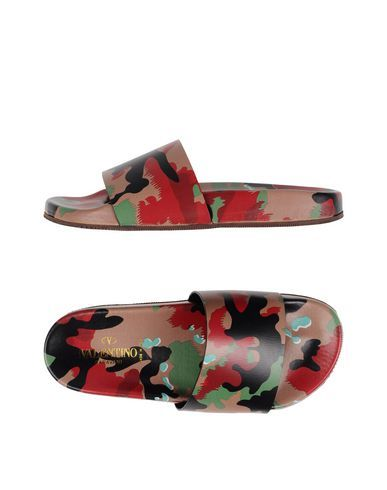 VALENTINO Sandals. #valentino #shoes #sandals