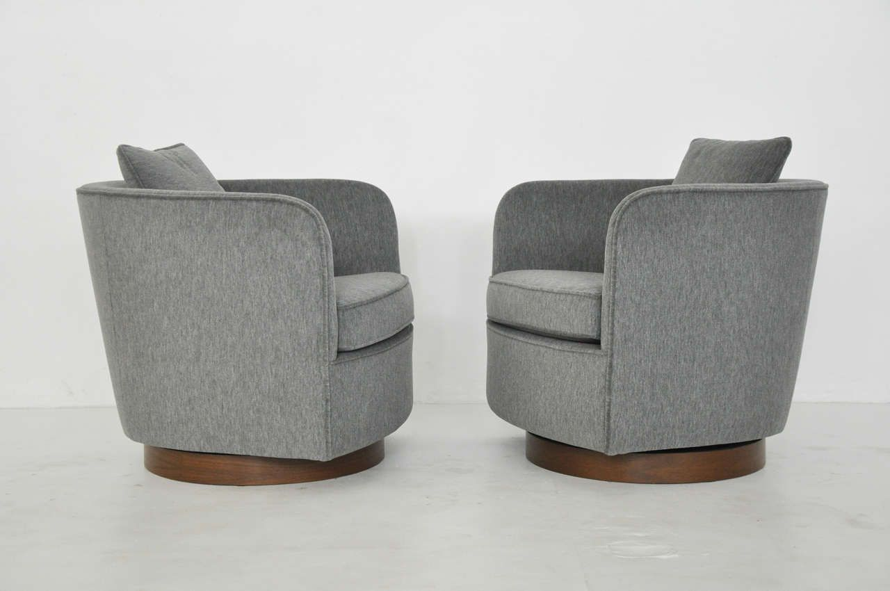 Milo Baughman Swivel Lounge Chairs Hotel Must Haves