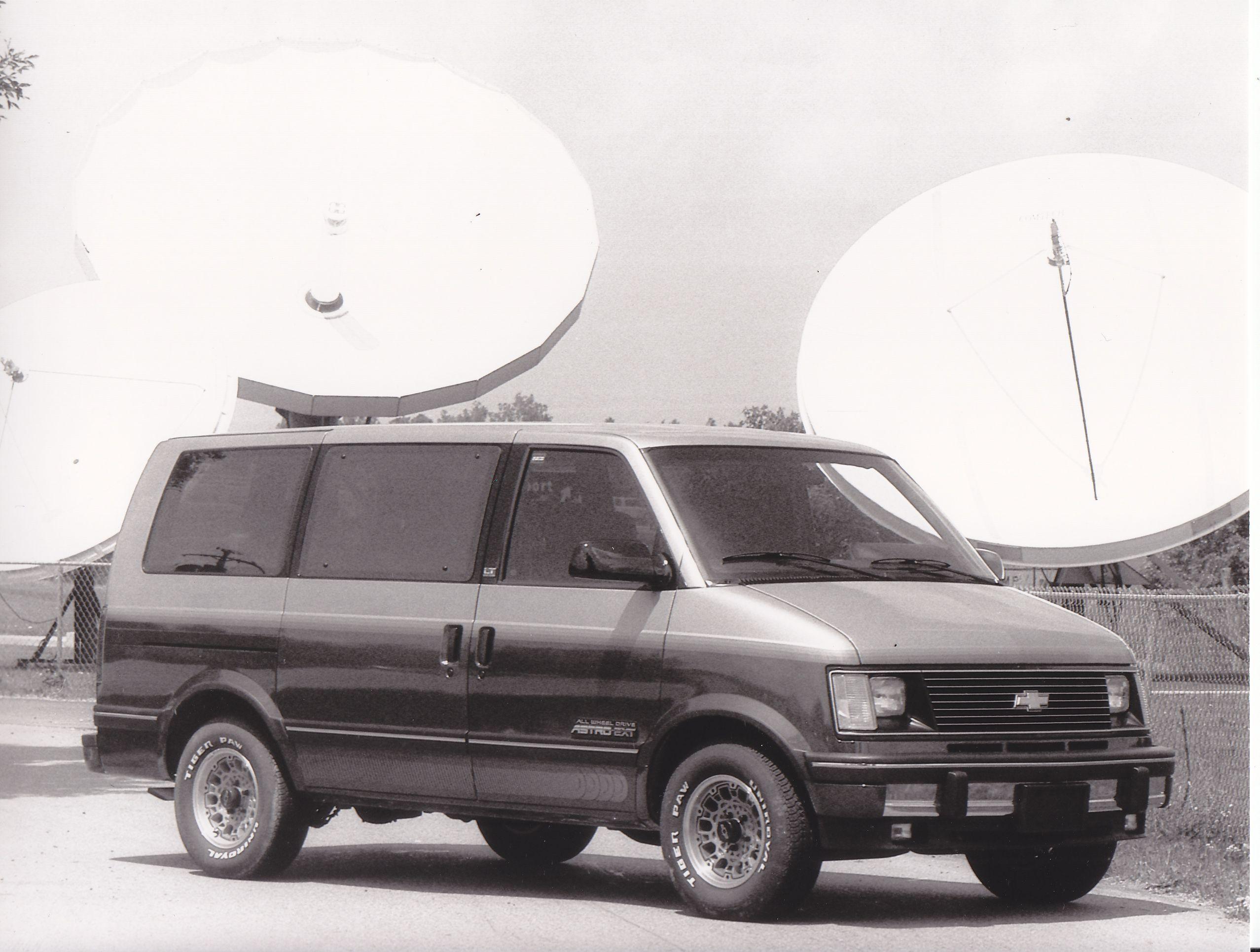chevrolet astro van iaa 1991  [ 2555 x 1931 Pixel ]