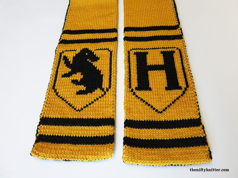Show off your Hufflepuff spirit with this reversible, thick Hogwarts ...