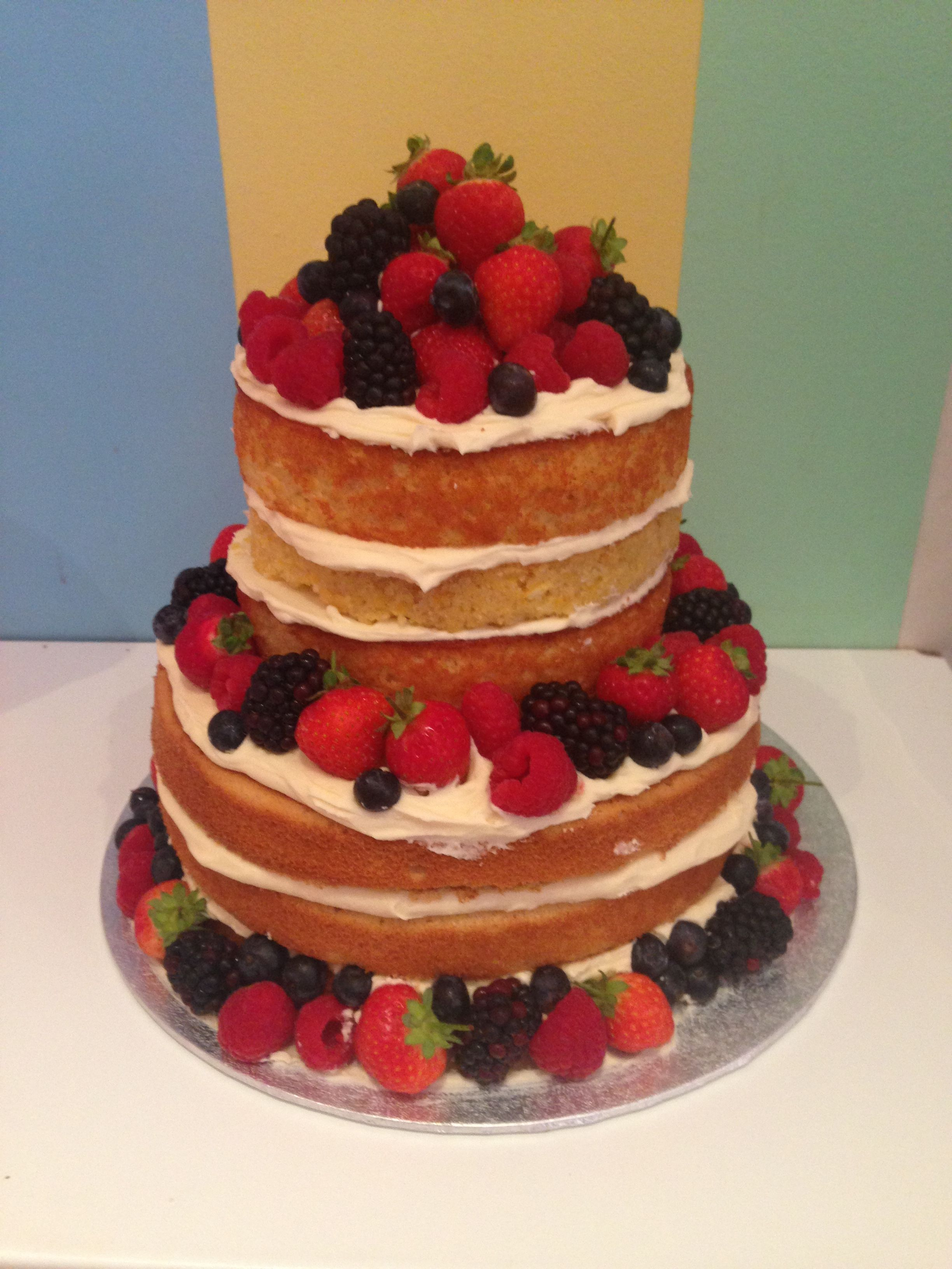 how to make a 4 tier sponge wedding cake 2 tier sponge cake with summer fruits tiered cakes 15787