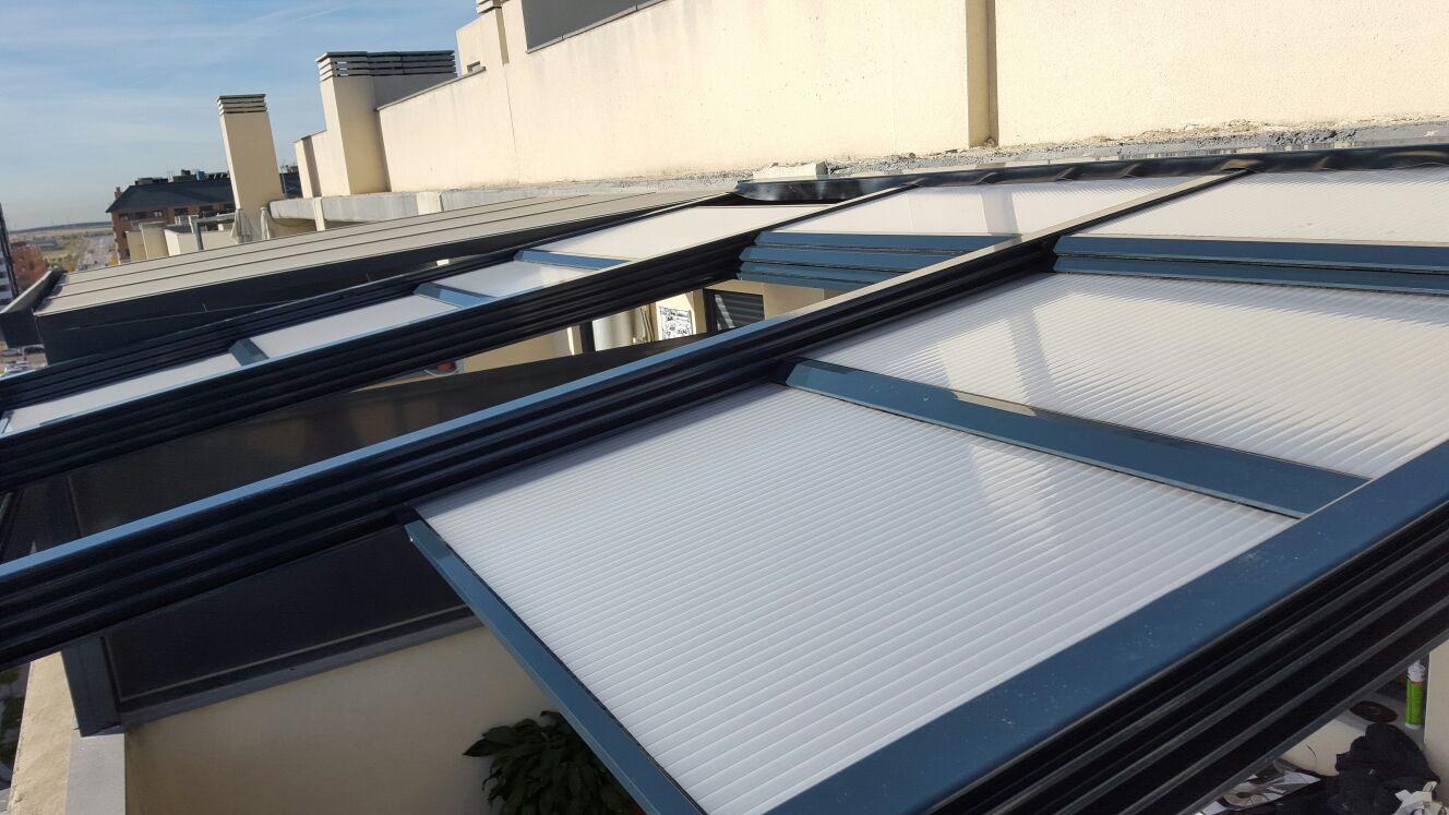 Techos corredizos de policarbonato techos policarbonato techos m viles pinterest - Cortinas para tragaluz ...