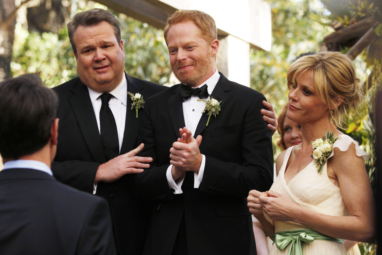 For Better Or For Worse Modernwedding Modern Family Season 5 Modern Family Tv Show Modern Family