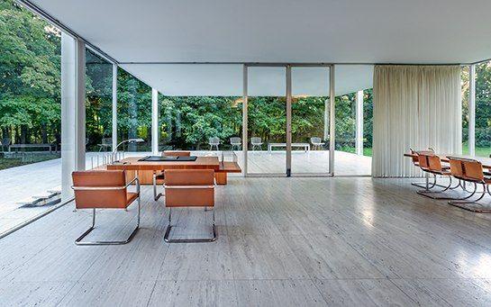 Mies van der Rohes Farnsworth House Faces an Uncertain