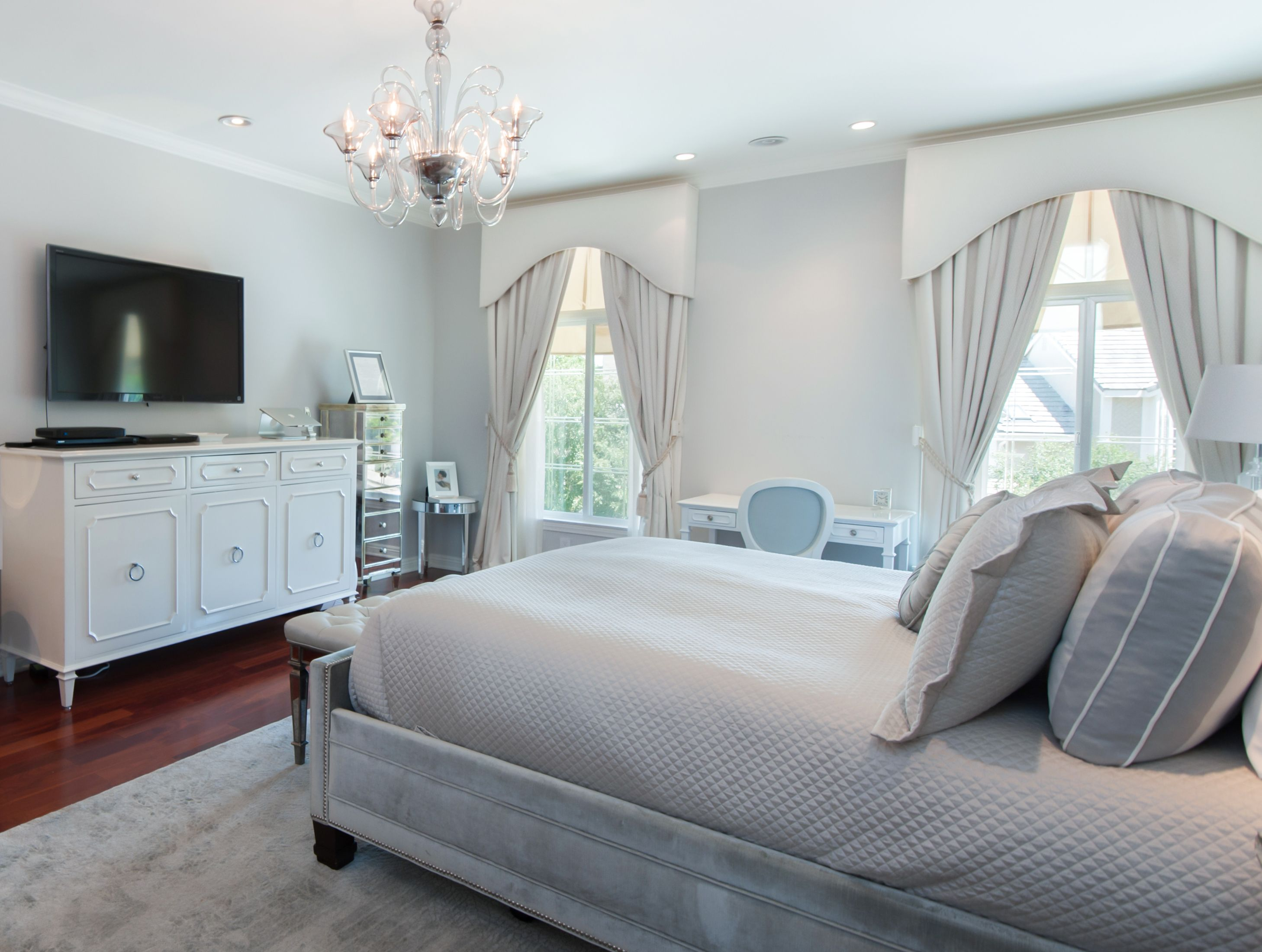 Carol Nitchman of Grace Home Furnishings worked with her clients to decorate this lovely Beverly Hills home and it's now for sale by Michael Nourmand and Adam Sires of Nourmand & Associates.