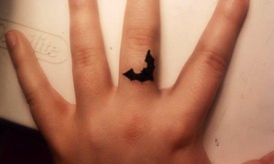 27c3bfa41cdd1 Black Inked Bat Tattoo On Finger   Tattoos?   Finger tattoos, Cute ...