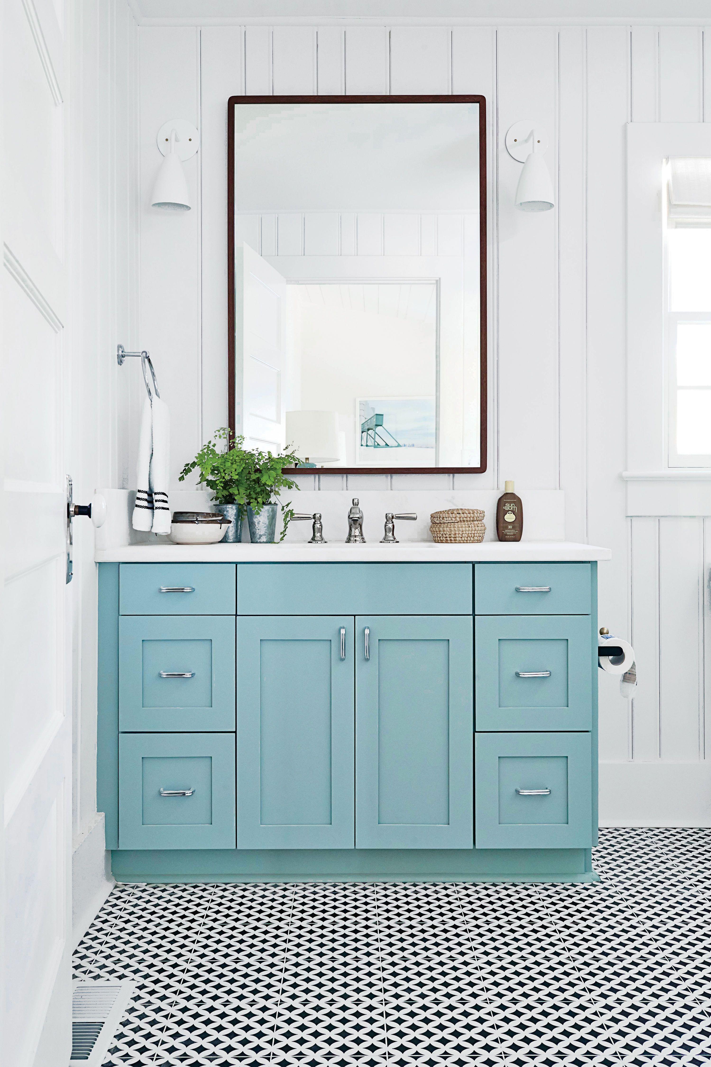 A sleek cottage bathroom in Sullivan\'s Island, South Carolina, gets ...