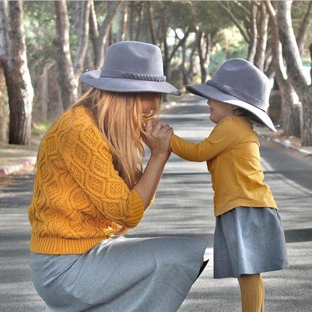 Kalbi güzel olan herkese bizden Günaydın ☀️ Kızımla beni inciten, kötü kalpli yorumlara verdiğiniz tepki ve bizim yanımızda olduğunuzu hissettirdinizgüzel yorumlarınız için ne kadar tşk etsem azdır. Hepsini tek tek okudum ve sayenizde tekrar iyi insanlar olduğuna inancım çoğaldı iyiki varsınızAyşenili kendi evladı gibi seven ,koruyan  ve dualar eden anneler olduğunu bilmek inanın bizi çok mutlu etti, Herşeyin güzel gönlünüzce olsun  Ayşenil ve benden kocaman öpücükler Sevgiler