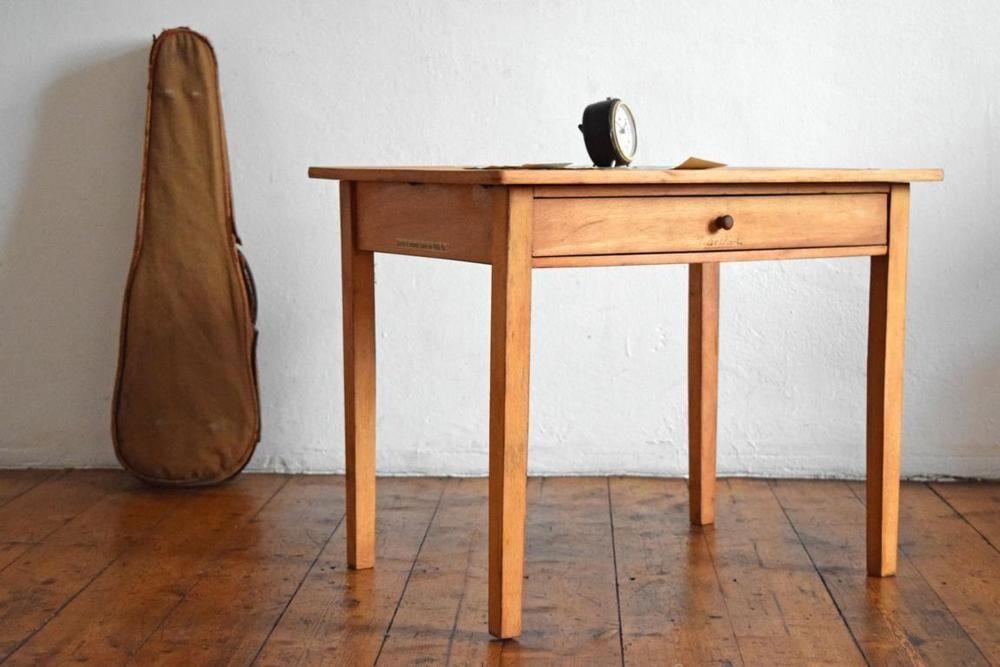 Details zu Kleiner Tisch Vintage Antik Loft Holz Alt Kindertisch ...