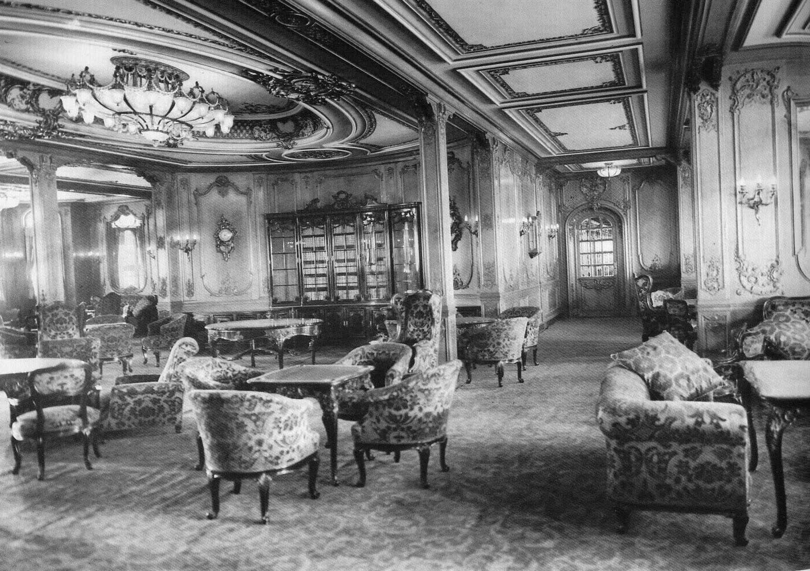 l 39 int rieur du titanic titanic caf parisien 1ere classe. Black Bedroom Furniture Sets. Home Design Ideas