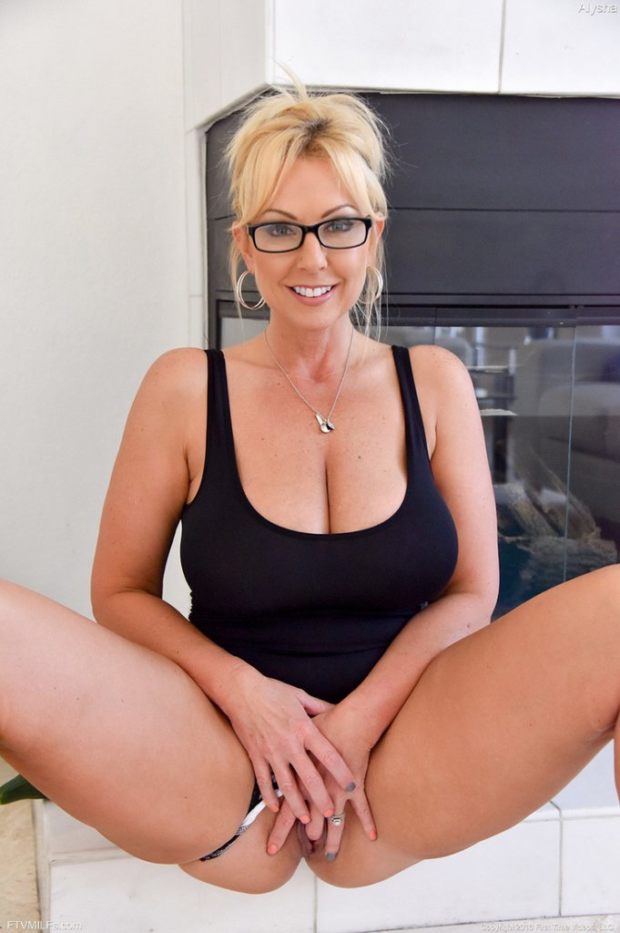 Glasses old lady porn mature ladies sexy older lady