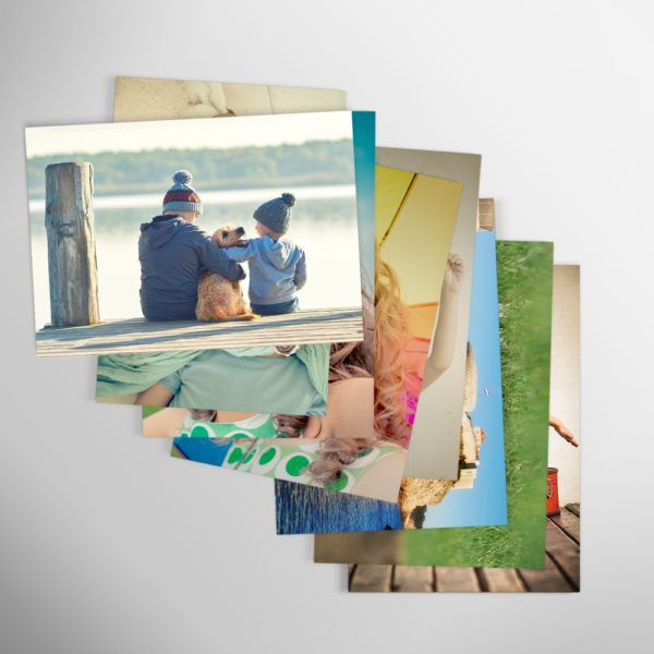 Revelado de fotos online. Imprime tus fotos al tamaño clásico, sí el estándar de toda la vida 10 x 15 cm. Imprimir fotos nunca fue tan fácil.