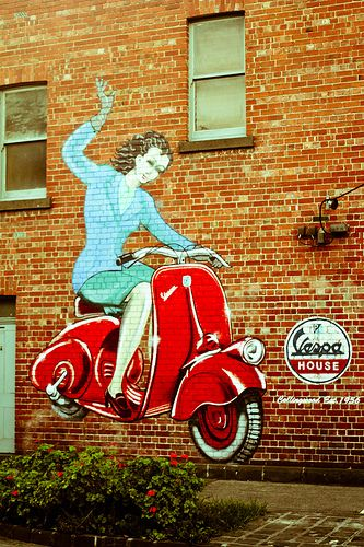 Tag Fitzroy 2 Street Art Street Art Graffiti Vespa Vintage Italy