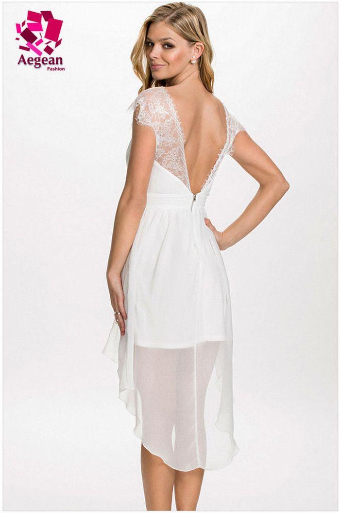 Robe blanche en dentelle