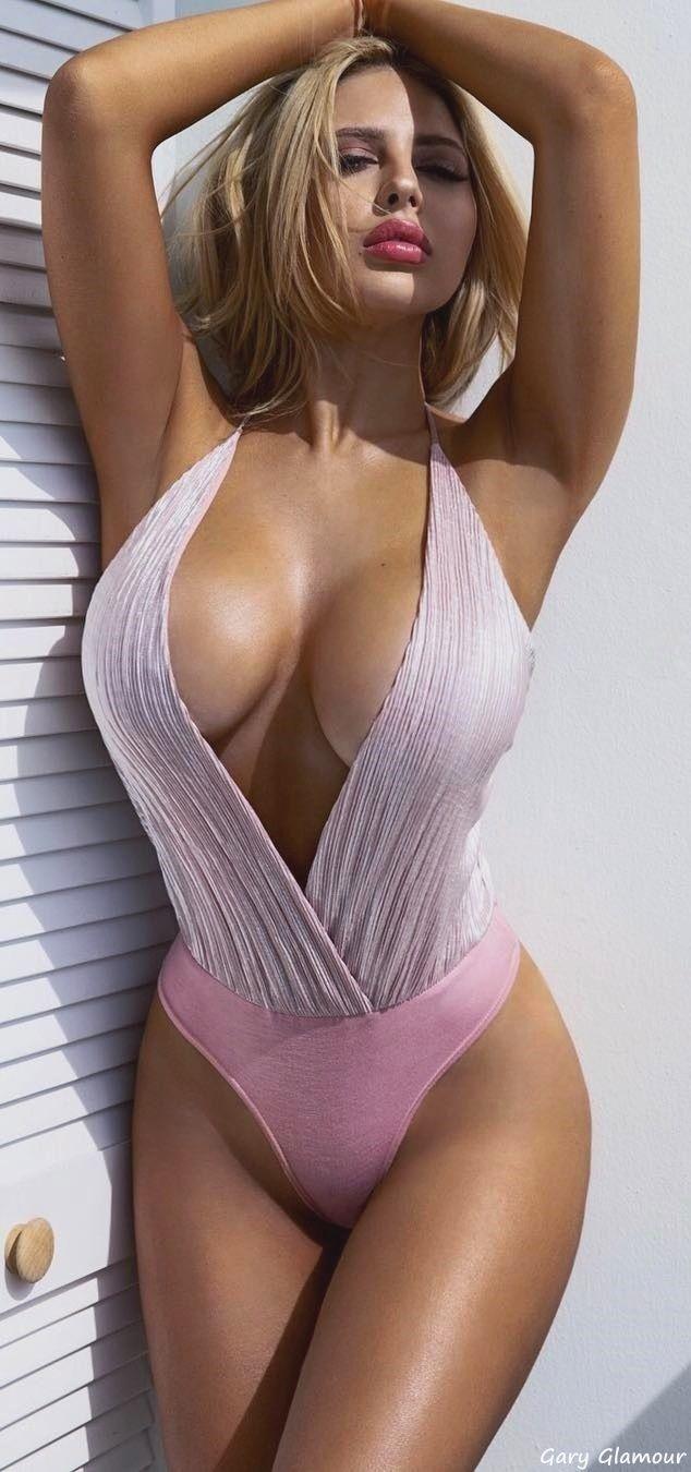 nenas nackedidnes naked.0