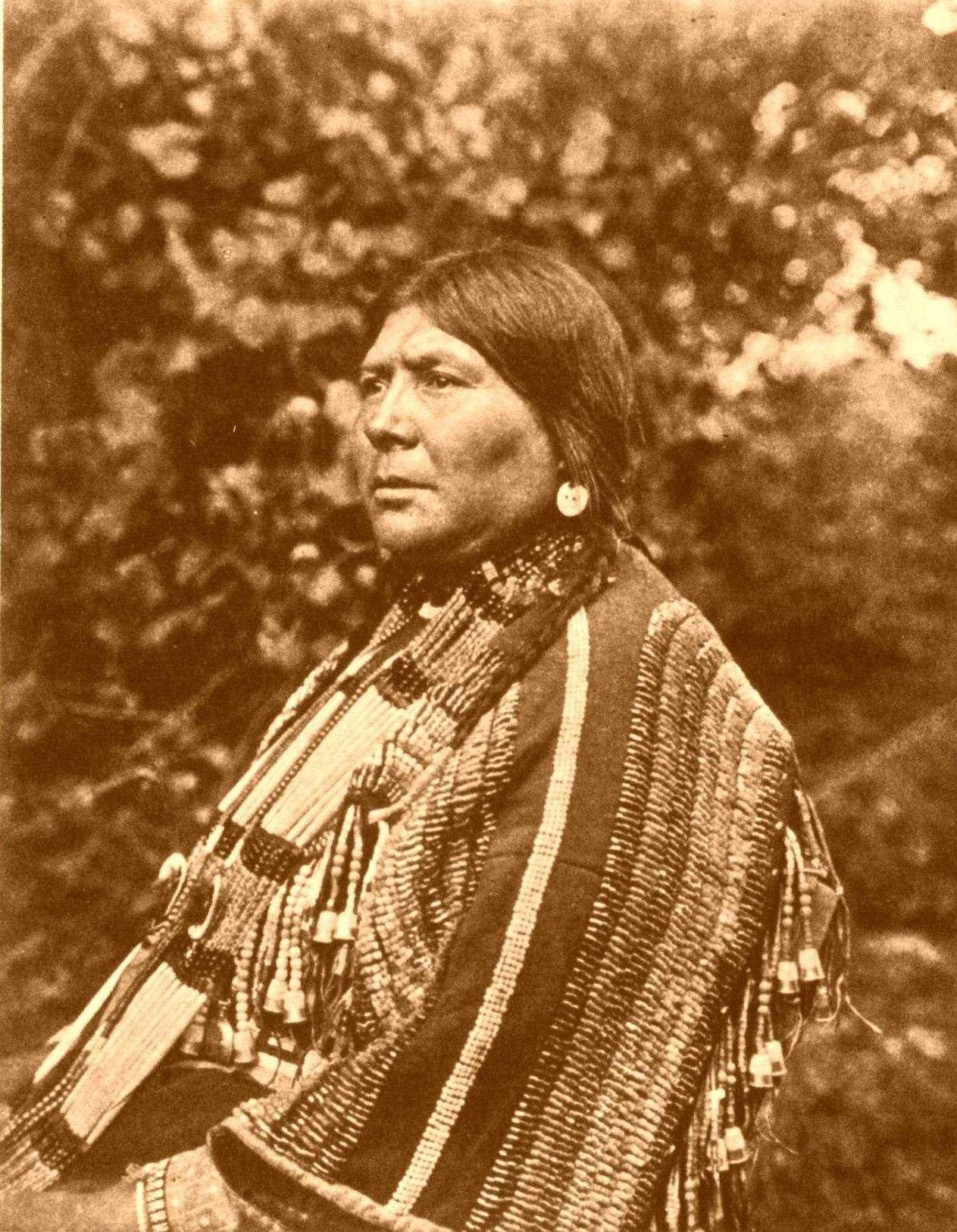Blackfoot Indian Woman - Bing Images