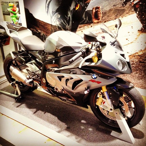 Tuning for BMW S1000RR Now Available @oetuning - +8-12wHp from ECU