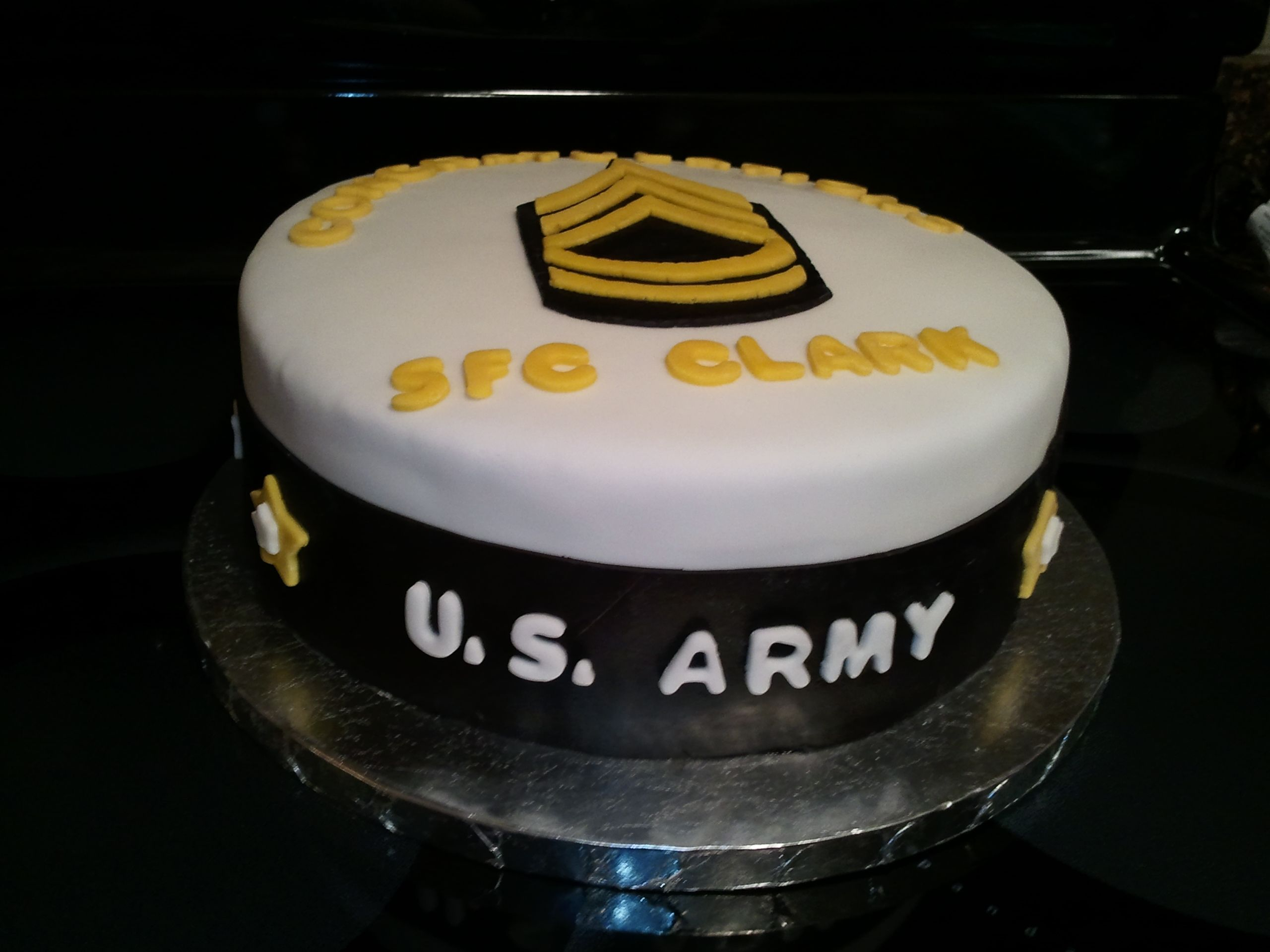 Army promotion cake 10 chocolate cake with cheesecake for Army cake decoration