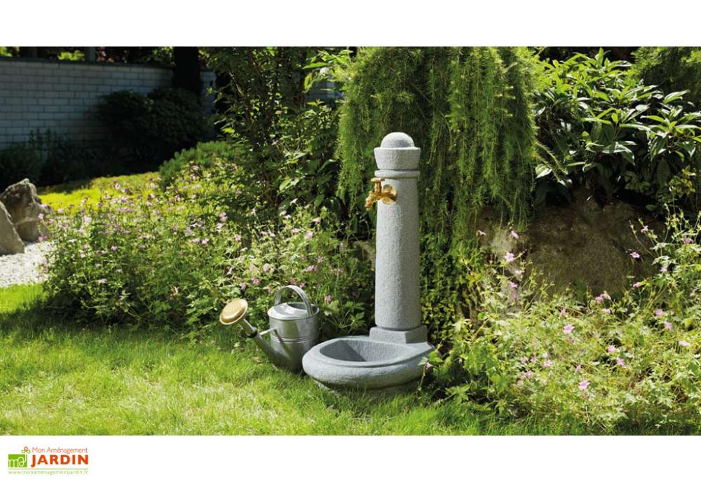 Fontaine De Jardin En Polyethylene Imitation Pierre Venezia En 2020 Fontaine De Jardin Jardin Murale Outils Jardinage
