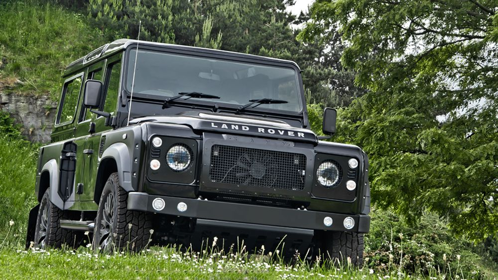 Santorini Black Land Rover Defender 2.2 TDCI XS 110 Chelsea Wide Track
